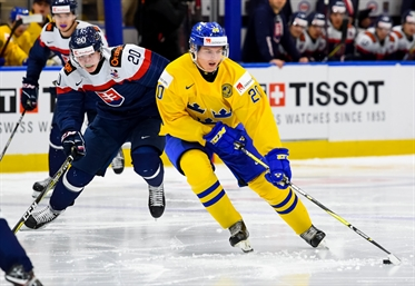 Swedes hold off Slovaks